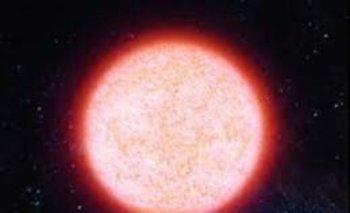 Así es el brillo de una estrella supergigante roja