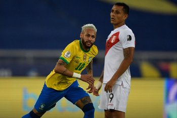 Neymar marcó uno de los goles