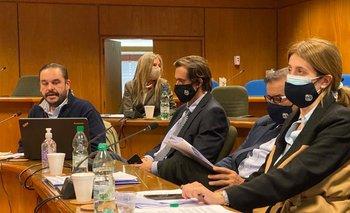 Juan Ignacio Buffa, Adriana Zumarán, Nicolás Chiesa, Carlos María Uriarte y Fernanda Maldonado en la Comisión de Ganadería.