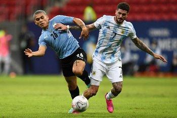 Brian Ocampo y Rodrigo De Paul