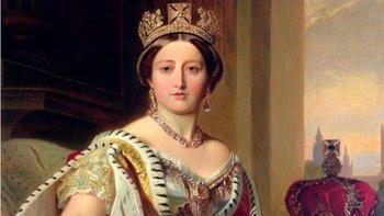 """La reina Victoria era conocida como """"La reina de todos los blancos"""" debido a una mala traducción."""
