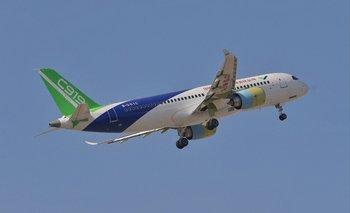 Foto de archivo de avión fabricado por la compañía china Comac