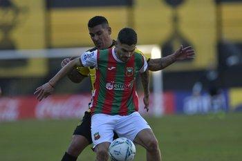 Hernán Toledo complicó a Maxi Pereira