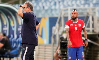 Lasarte y Arturo Vidal