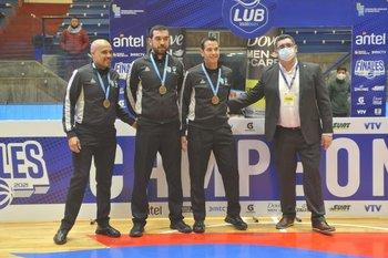 Vázquez, Salgueiro y Bartel con Sergio Benítez