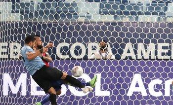 El momento del gol de Uruguay