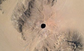 El pozo tiene 30 metros de ancho yentre 100 y 250 metros de profundidad.