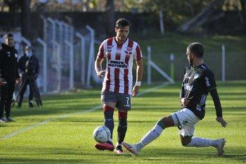 Nicolás Rodríguez marcado por Gonzalo Camargo