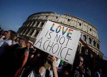 """El Vaticano tomó medidas diplomáticas """"sin precedentes"""" contra el proyecto, alegando que restringe la libertad de creencia y expresión católica, según un reciente informe"""