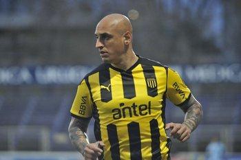 Ariel Nahuelpán pidió disculpas al grupo por su actitud y Larriera lo mantuvo en el plantel