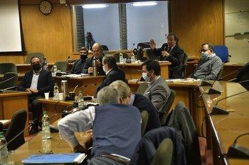 Los diputados oficialistas de la comisión de Hacienda se reunieron con Fernando Blanco este jueves
