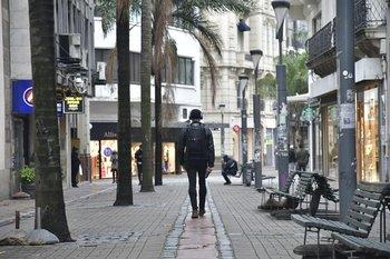 El Instituto Uruguayo de Meteorología (Inumet) emitió una advertencia por una ola de frío, que comenzó a regir este domingo