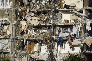 El derrumbe del edifico en Miami causó hasta el momento nueve muertes