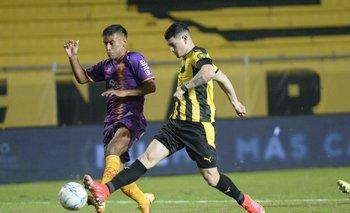 Peñarol-Villa Española, cuando jugaron en el Apertura