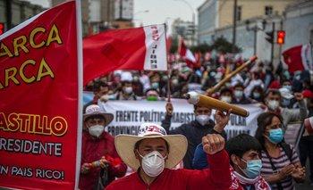 Votantes de Castillo y de Fujimori se volcaron a las calles en manifestaciones paralelas este 26 de junio de 2021