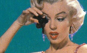 La actriz estadounidense Marilyn Monroe (1926-1962), interpretando el papel de Lorelei Lee, en una escena del film