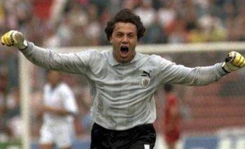 El festejo desenfrenado de Fernando Álvez luego del gol en la hora de Daniel Fonseca sobre Corea del Sur en el Mundial de Italia 90, que le daba el pasaje a la celeste a la siguiente fase