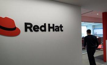 La tecnología Open Source de Red Hat aporta múltiples beneficios de seguridad debido al perfeccionamiento permanente de la mano de la comunidad.