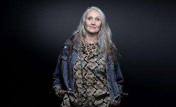 Caroline milita por la diversidad corporal y la representación de mujeres mayores de 50