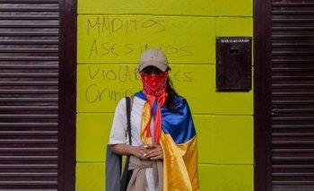 Las mujeres han estado al frente de la ola de protestas contra el gobierno en Colombia.