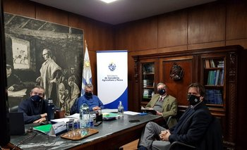 Fernando Mattos y Carlos María Uriarte juntos en la primer reunión del gabinete tras el cambio de ministros.