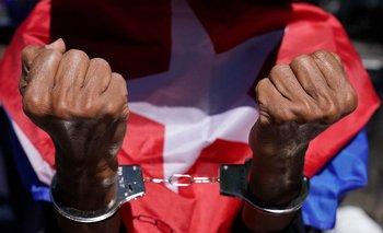 El derecho a expresarse en Cuba quedó restringido a los límites delimitados por el régimen de Fidel Castro