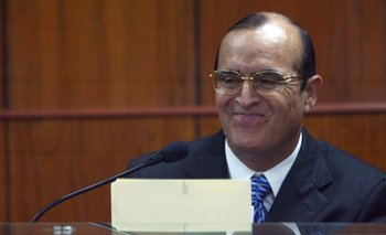 Vladimiro Montesinos huyó de Perú en octubre de 2000 sin dejar rastro; meses después fue capturado en un barrio pobre de Caracas