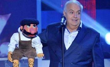 El conductor de televisión y ventrílocuo español José Luis Moreno junto a Macario, uno de sus personajes