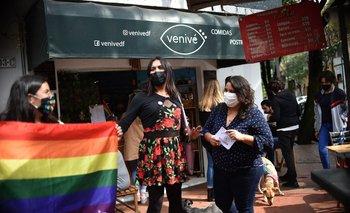 María Clemente García (medio) es una de las dos primeras diputadas trans que tendrá México