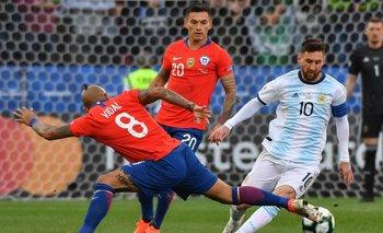 Lionel Messi jugará como titular en el debut argentino