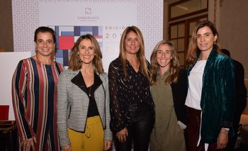 Carina Martines, Carolina Gianola, Renata Battione, Carolina Olague y Ximena Arcos Pérez