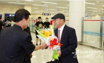 Choe In-guk recibió una calurosa bienvenida en Pyongyang.