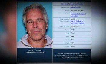 Jeffrey Epstein está acusado de dirigir una vasta red de niñas menores de edad con las que traficaba.