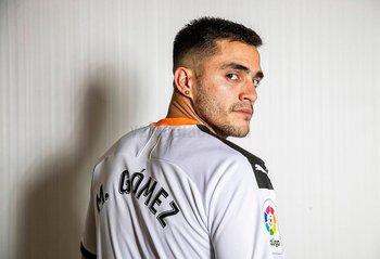 Maxi Gómez fue presentado por Valencia