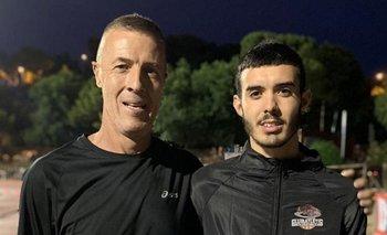 Vera y Catrofe luego de que el joven le batiera el récord nacional de 1.500 en el Meeting de Barcelona 2019