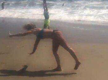 Nadia Comaneci y su vuelta en la playa para recordar los 43 años de su 10 histórico en los Juegos Olímpicos