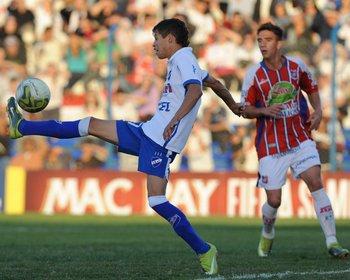 Nico López debutó ante Central Español con 17 años