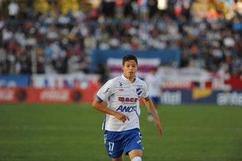 El delantero debutó en el Gran Parque Central con Juan Ramón Carrasco como DT