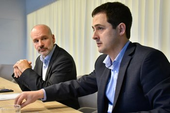 Gonzalo Giambruno (derecha) y Javier Solari (izquierda) de UPM.