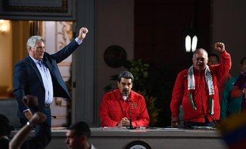 Nicolás Maduro, Diosdado Cabello y presidente de Cuba Miguel Díaz Canel, en la ceremonia de cierre del Foro de San Pablo