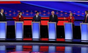 Sanders y Warren, los candidatos demócratas más progresistas, recibieron varios ataques de sus colegas más moderados en el debate de este martes.