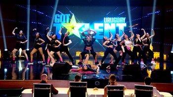 La compañía de danza Glamazon se presentó en Got Talent Uruguay y obtuvo el pase de oro
