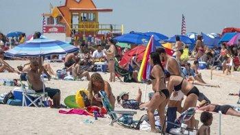 Playa de Miami en plena pandemia