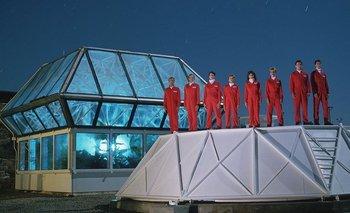 En 1991, un grupo de ocho científicos voluntarios se involucró en un experimento sin precedentes