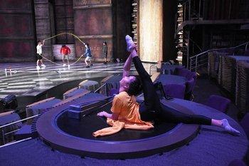 Estiramientos en los ensayos del Cirque du Soleil en México