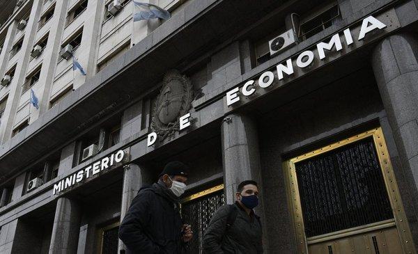 La economía argentina se contrajo 12,6% en siete meses de 2020