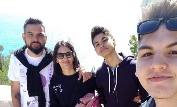 Juan, Valeria, Julián y Agustín viajaron de Argentina a España en marzo y quedaron varados por la pandemia