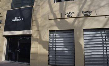 Ubicada en Río Branco 1483, entre Mercedes y Uruguay, la Casa Zorrilla alberga desde este año a radio Carve