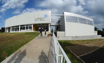 TabInstituto Regional Norte de la Universidad Tecnológica en Riveraaré Vázquez, se inauguró en Rivera el Instituto Regional Norte de la Universidad Tecnológica