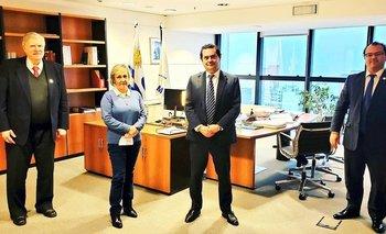 Representantes del Colegio Médico del Uruguay.